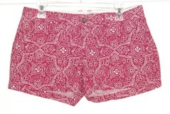 Old Navy Red White Floral BRIG ROSE Short Shorts Womens 6 in Plainfield, Illinois