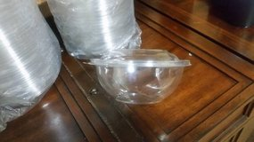 Case of 32 oz Clear Plastic Bowl with Domed Lid in Houston, Texas