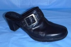 Sz 8.5M Black Clarks Bendables Mule Clogs Slip On Shoes in Orland Park, Illinois