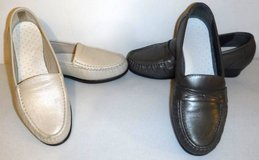 Sz 10W SAS Women's Pearl Flats -OR- Taupe Loafer Style Comfort Shoes in Naperville, Illinois