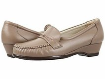 New! Sz 10W SAS Leather Slip On Loafer Tripad Comfort Shoes in Naperville, Illinois