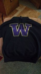 Washington Huskys uDub large hoodie in Fort Lewis, Washington