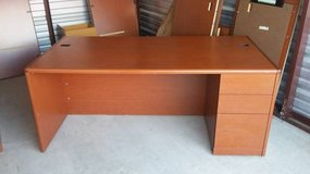 HON Office Desk Model H10787R, Right Pedestal Desk (Org. Cost $1614) in Chicago, Illinois