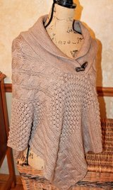 Taupe Brown Knit Sweater Poncho, Cable & Popcorn Pattern, Acrylic/Wool, Medium in Joliet, Illinois