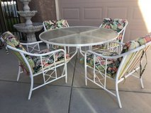 Mid Century Modern 5-Pc Patio Set in Travis AFB, California
