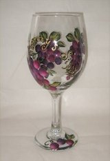 HAND PAINTED WINE GLASS - Mother's Day Sippy Cup - NEW in Joliet, Illinois