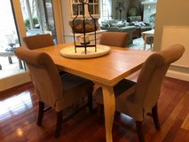 ** Henredon Kitchen Table w/4 World Market Chairs**Two Leaves*Very Nic in Bolingbrook, Illinois