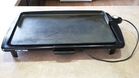 Black & Decker GR100 Family-Sized Electric Nonstick Griddle in Joliet, Illinois