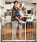 """Regalo Extra Wide Span Walk Through Safety Gate - 29"""" -58"""" - New! in Naperville, Illinois"""
