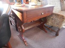 Graceful Desk / Table in Naperville, Illinois