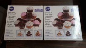 2 -New Wilton 13 Count Cupcake Treat Stand in Chicago, Illinois