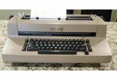 IBM Selectric II Correcting Typewriter Tan/Beige Color in Glendale Heights, Illinois