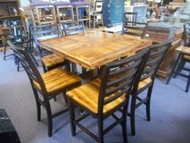 Fabulous Dining Set in Batavia, Illinois