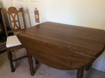 Dining table with leaves and chairs in Wheaton, Illinois