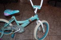 "16"" Girls Huffy Frozen Bycycle with Training Wheels in Spring, Texas"