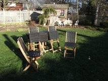 4 WOOD FOLD OUTDOOR CHAIRS AND TABLE in Tinley Park, Illinois