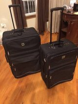 2 piece large rolling luggage set in Chicago, Illinois