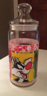 1999 Looney Tunes Merrie Melodies Large Glass Cookie Candy Jar Warner Brothers in Yorkville, Illinois
