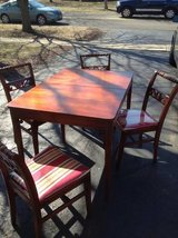 4 CHAIRS in Westmont, Illinois