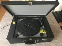 Electrohome Archer Vinyl Record Player/Turntable Stereo System in Naperville, Illinois