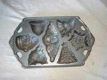 CAST IRON XMAS CANDY AND OR BAKING MOLD in Bolingbrook, Illinois