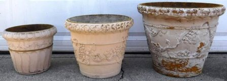 (3) Outdoor Planters - 1 Large, 1 Med, 1 Small Pot in Joliet, Illinois