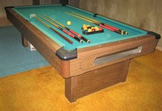 Brunswick Bristol 8' Slate Pool Table in Oswego, Illinois