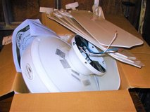 "52""- 5  blade white HARBOR BREEZE CEILING FAN(does not have light kit) in Joliet, Illinois"