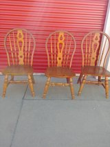 3 Windsor Extra Wide Seat Chairs In Fairfield 6/16 if you want me to bring this in Sacramento, California