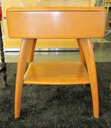 Mid-Century Modern Heywood Wakefield Side or Lamp Table w/drawer M793 in Naperville, Illinois
