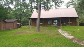166 Lakeshore Log Cabin! in Leesville, Louisiana