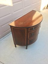 Beautiful Round Front Mahogony Chest of Drawers in Fairfield, California