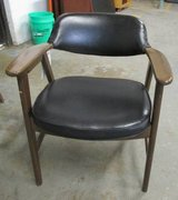 Paoli Chairs, Danish Modern 1976,  9 available in Naperville, Illinois