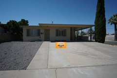 Cozy 4 Bedroom in Great Area w/ Refrigerated A/C! in El Paso, Texas