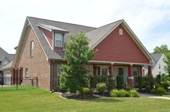 Roomy 4 bedroom house with bonus room. in Fort Campbell, Kentucky