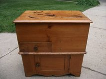 ANTIQUE DRY SINK COMMODE in Orland Park, Illinois