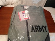 NEW US ARMY IFPU JACKET Size M Regular in Dover, Tennessee