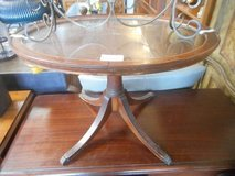 Lovely Oval Table in Sugar Grove, Illinois