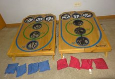 Vintage Wooden Portable Sportcraft Deluxe Bean Bag Toss Game w/ 8 bags & cover. in Westmont, Illinois
