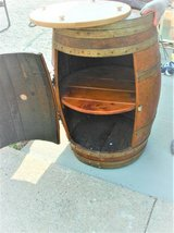 wine barrel portable bar (on wheels) (excellent condition) in Plainfield, Illinois