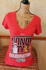Reebok Chicago Blackhawks Windy City Stanley Cup Celebration V-Neck Tee, 2015, Large in Plainfield, Illinois