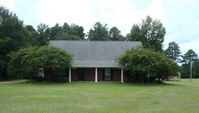 918 W. Hawthorne Colonial Style!!!! in Leesville, Louisiana