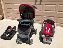 Graco SnugRide 30 Click Connect Travel System with Extra Base in Travis AFB, California