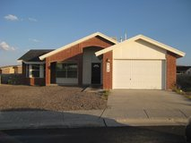 512 Adrian Ct in Fort Bliss, Texas