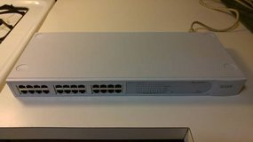 3COM Baseline 24-Port Unmanaged 10/100 Ethernet Switch in Bartlett, Illinois