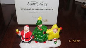 "Dept 56 Snow Village Accessories ""WE'RE GOING TO A CHRISTMAS PAGEANT"" #5435-6 in Macon, Georgia"