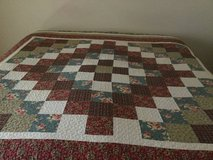 KING Patchwork quilt/ 2king shams / 3 decorative pillows / Dust ruffle in Elgin, Illinois