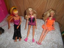 Mixed Lot of (3) Mattel BARBIE Dolls! Dolls are Bendable. Nice condition . This is an estate sal... in Bellaire, Texas