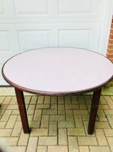 STURDY ROUND TABLE in Sugar Grove, Illinois
