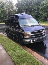 Chevy Express 1500 (Hightop) in Quantico, Virginia